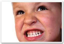 Çocuklarda Diş Gıcırdatma – Burksizm: Diş Gıcırdatma Nedir? Çocuklarda Diş Gıcırdatma Belirtileri? Diş GıcırdatmaTedavisi