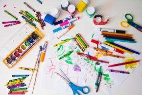 Çocuğunuzun Eserlerini Sergilemenin 12 Yaratıcı ve PratikYolu